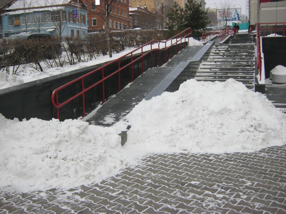 кучи снега, Хабаровск