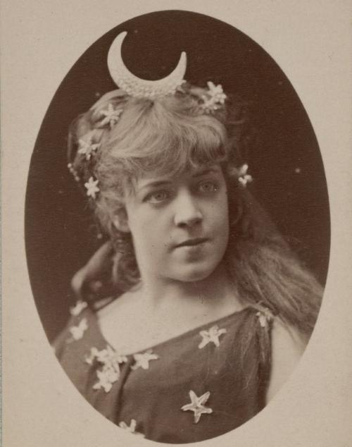 Portrait de Jeanne Samary. Atelier Nadar. 1910