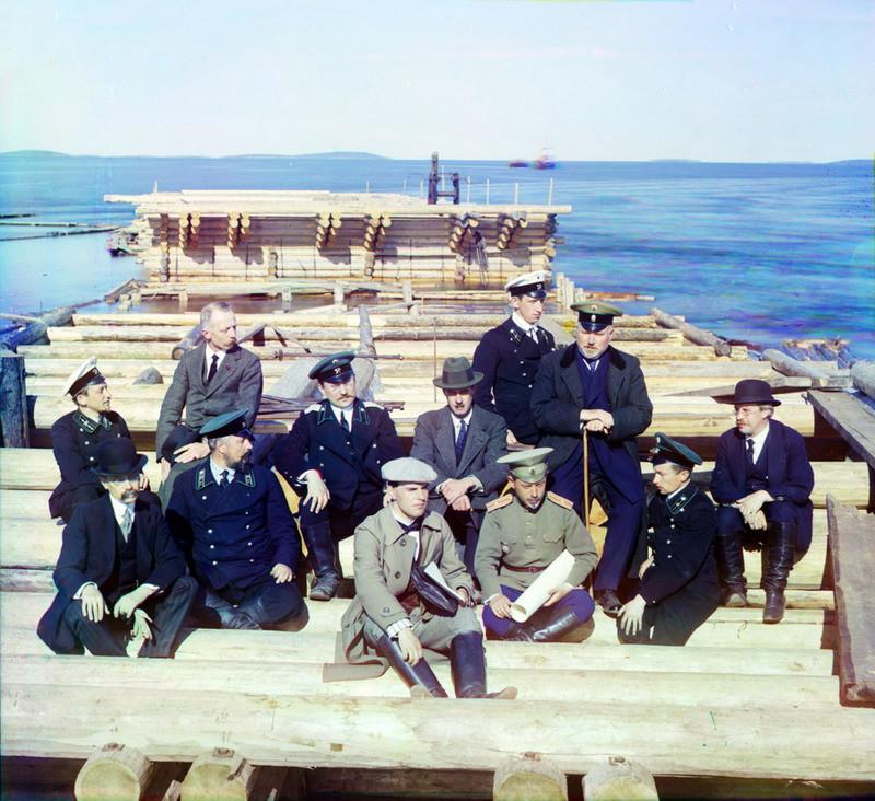 Группа участников железнодорожной постройки 0341