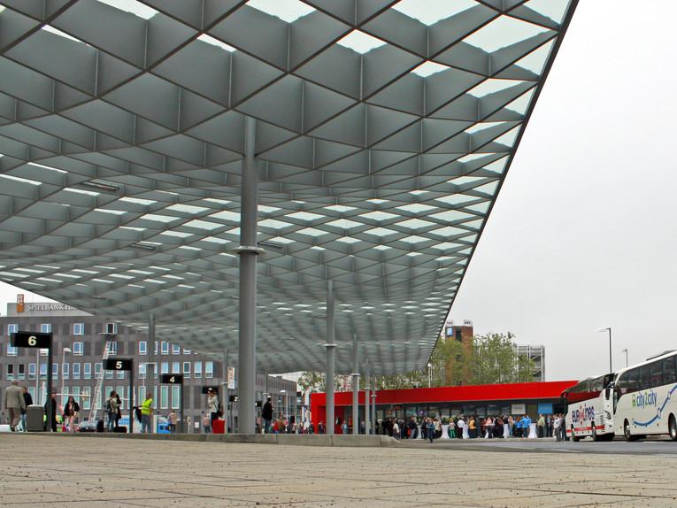 Haltestellen-und-Glasdach_image_full