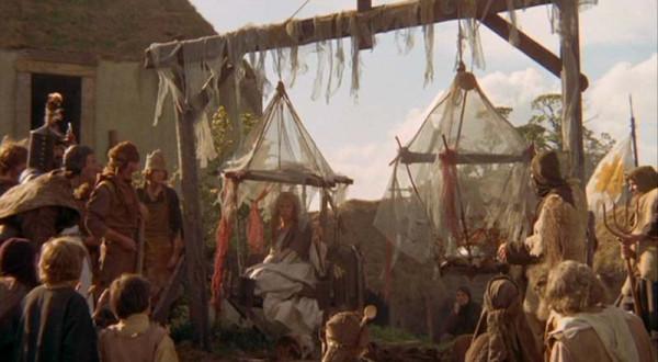 Средневековье подкралось незаметно, или Пришла беда откуда не ждали... HolyGrail028