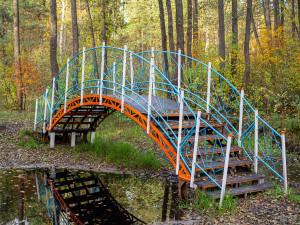 мост у Черного озера