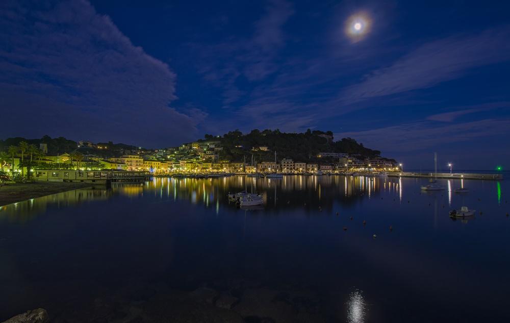 Porto Azzurro notte