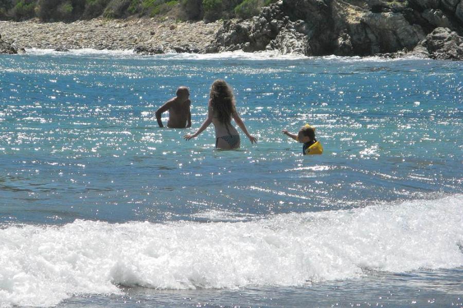 купаться в средиземном море