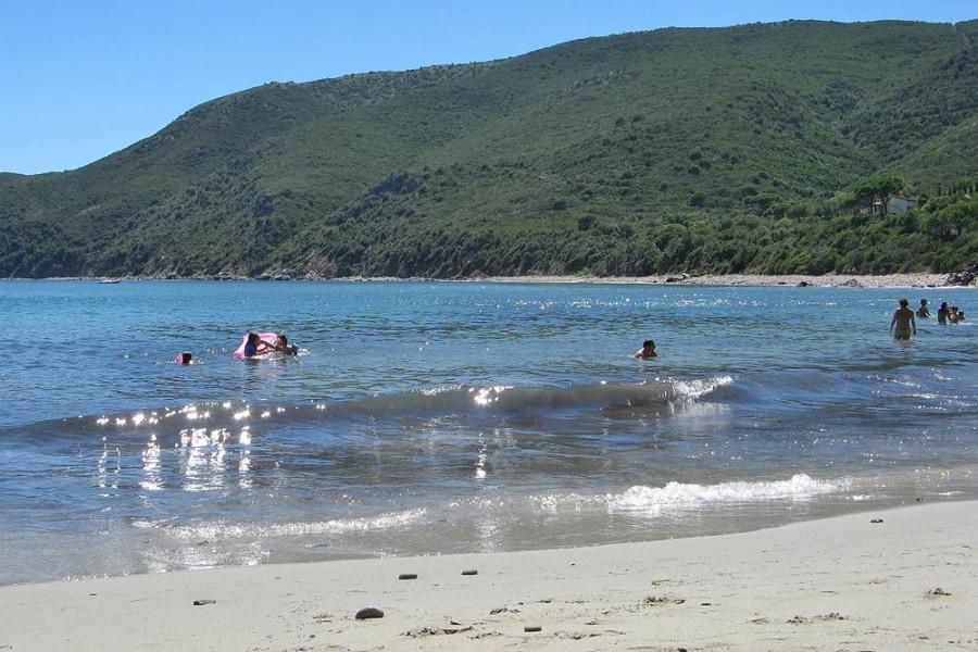 море у пляжа лаконелла