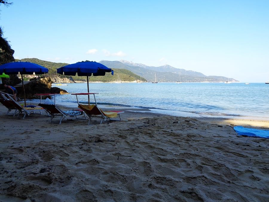 пляж скальери на Эльбе рано утром
