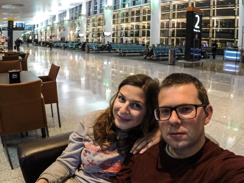 Один день блогеров-путешественников Паши и Лены