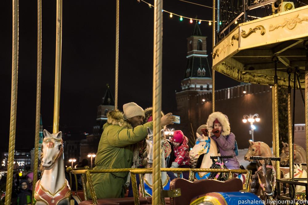 Карусель на Красной площади