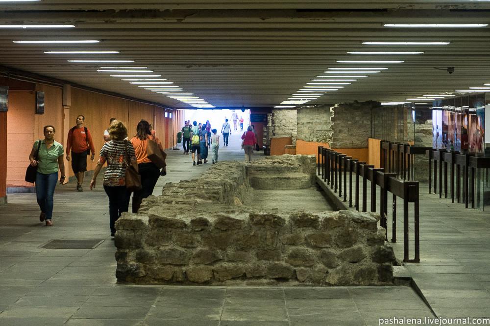 Подземный переход в Будапеште