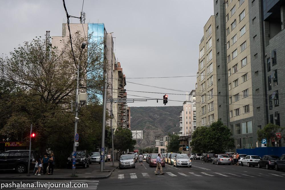 Современный район Тбилиси