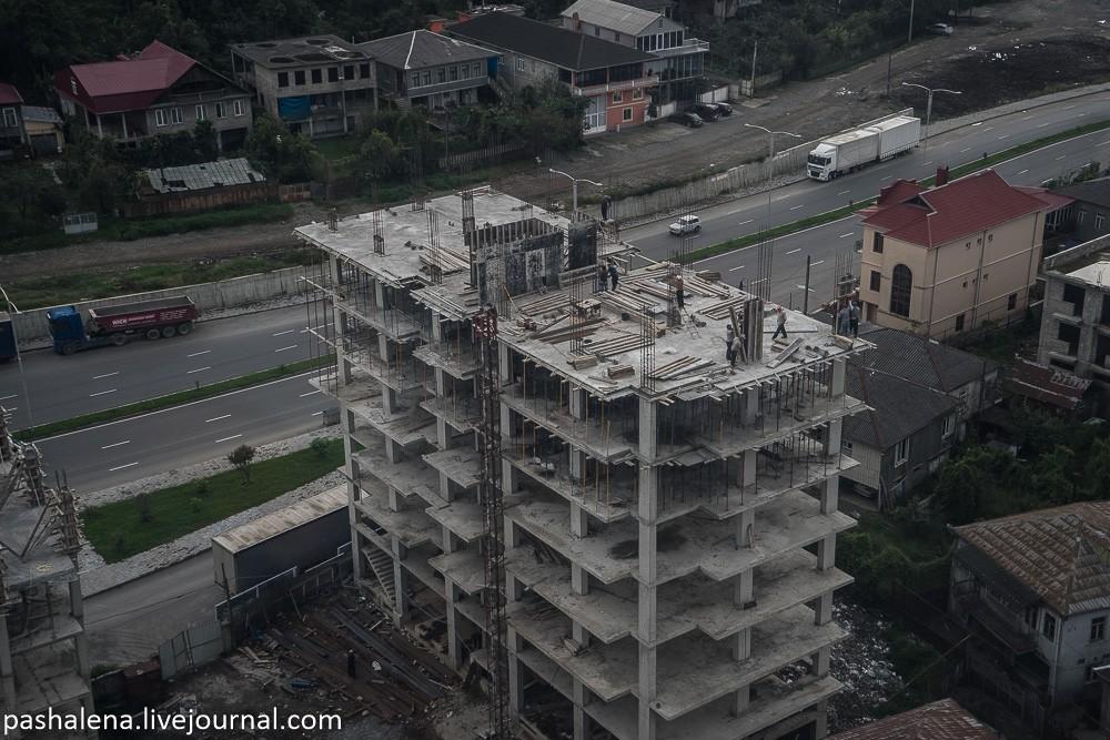Стройка многоэтажки в Батуми
