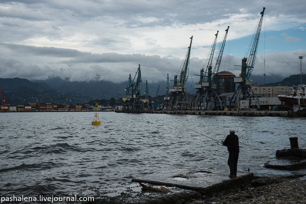 Рыбаки порт Батуми