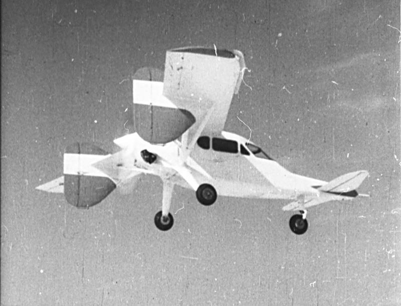 Опытный самолет ОКБ Микояна МиГ-8 или Утка пилотирует летчик Гринчик