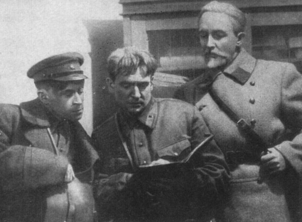 Сцена из спектакля Русские люди