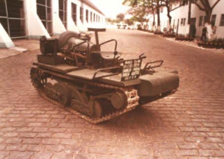 O A.D.M.K. na Escola de Material Bélico, no Rio de Janeiro, em 1988.