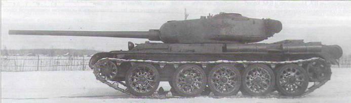 Танк Т-54 обр. 1945 г. на испытаниях.