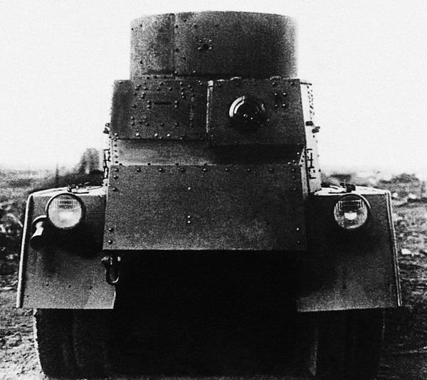 Бронеавтомобиль БА-5, вид сзади.
