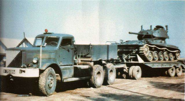 Гибрид корпус AMX-13 + башня M24 CHAFFEE