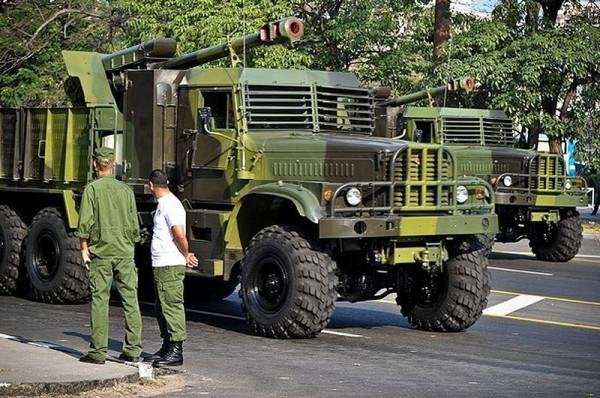 armoured_truck_with_d_30_gun_cuban_cuba_army_mil.jpg