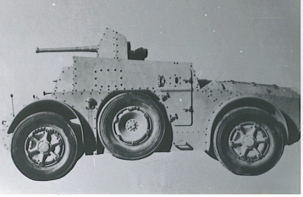 AB 43 prototype with a 47 mm (1.85 in) AT gun.jpg
