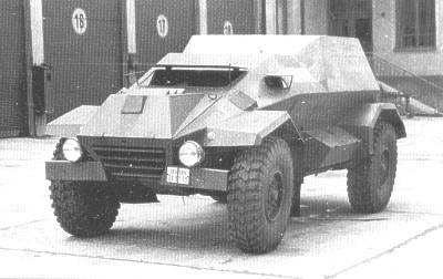 Tatra T-811.