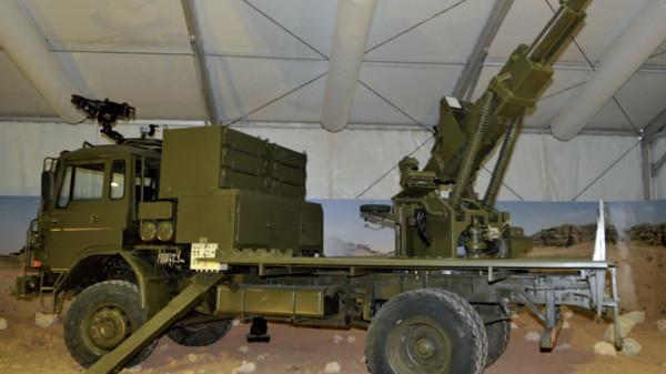 KADDB-rolls-out-self-propelled-gun.jpg