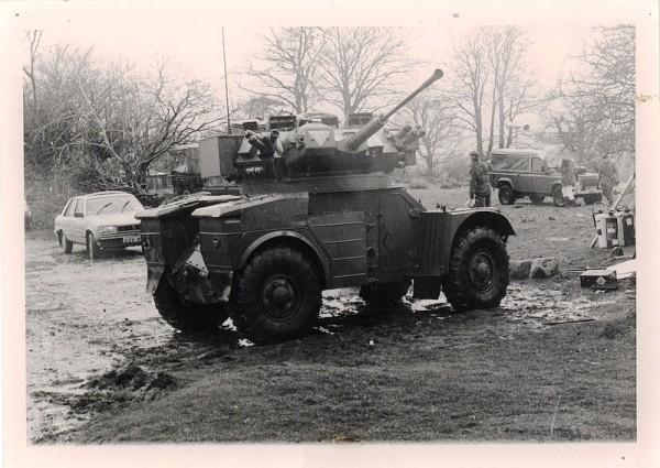AML Alvis Vickers Turret 30mm Rarden.jpg