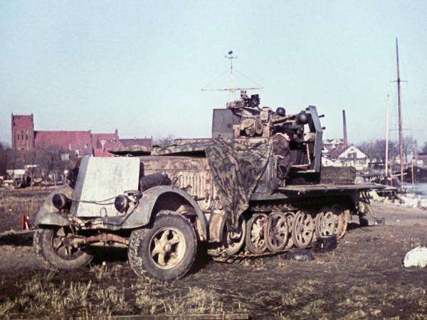 Зенитная установка 2cm Flakvierling 38 на базе тягача m.Zgkw. 8t.jpeg