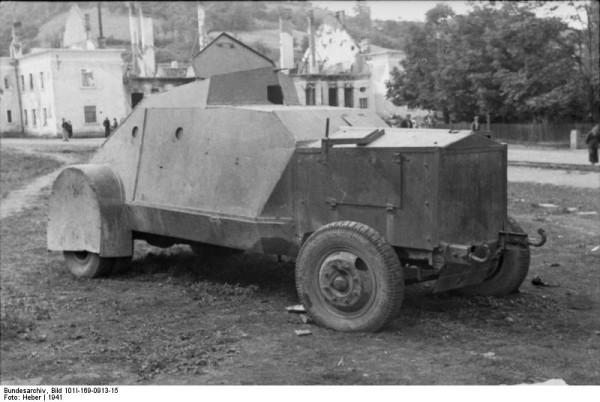 Bundesarchiv_Bild_101I-169-0913-15,_Jugoslawien,_gepanzertes_Fahrzeug