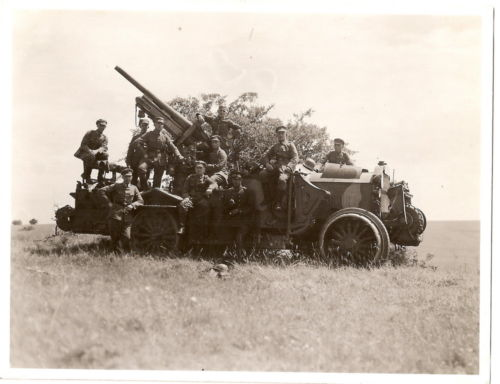 Krupp-Daimler KD1 trucks with 7.5cm Flak 14 2.jpg