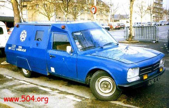 la 504 a même existé en Fourgon Blindé Transporteur de Fonds!.jpg