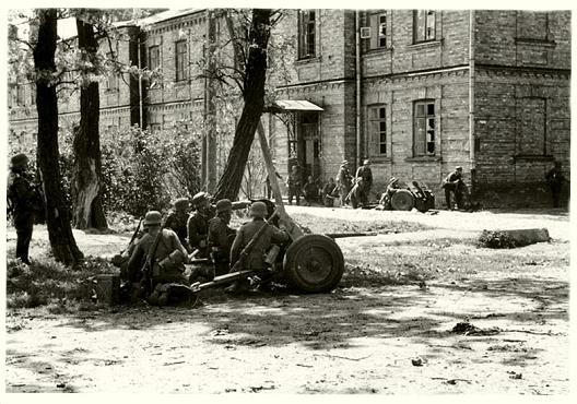 Бои немецких ударных частей в районе города Бреста. Июнь 1941 года