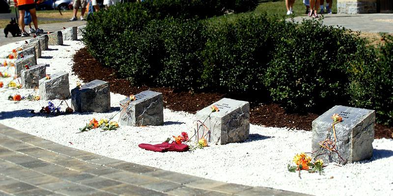 Памятник в Virginia Tech
