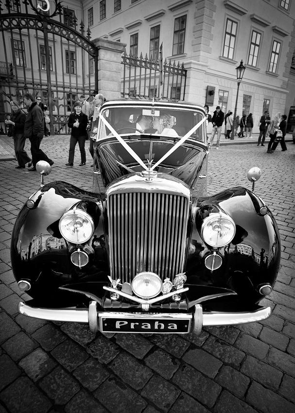 Картинки ретро машин черно белые