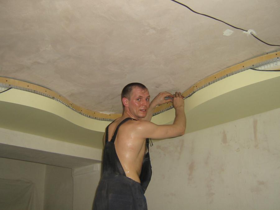 как делают двухуровневые натяжные потолки фото робота является