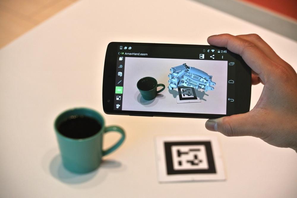 Сегодня достаточно сделать пару кликов мыши на компьютере, запустить 3D принтер  и получить готовый полнофункциональных образец компьютерной 3D модели.