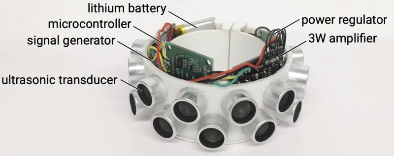 «Анти-умные часы» излучают ультразвук, который мешает распознавать речь устройствам записи.