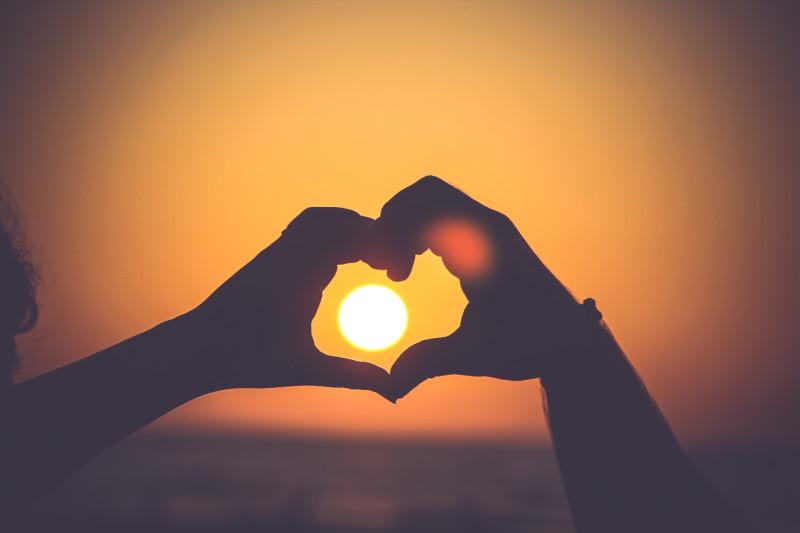 Если в нас любовь живет, мы вечные.