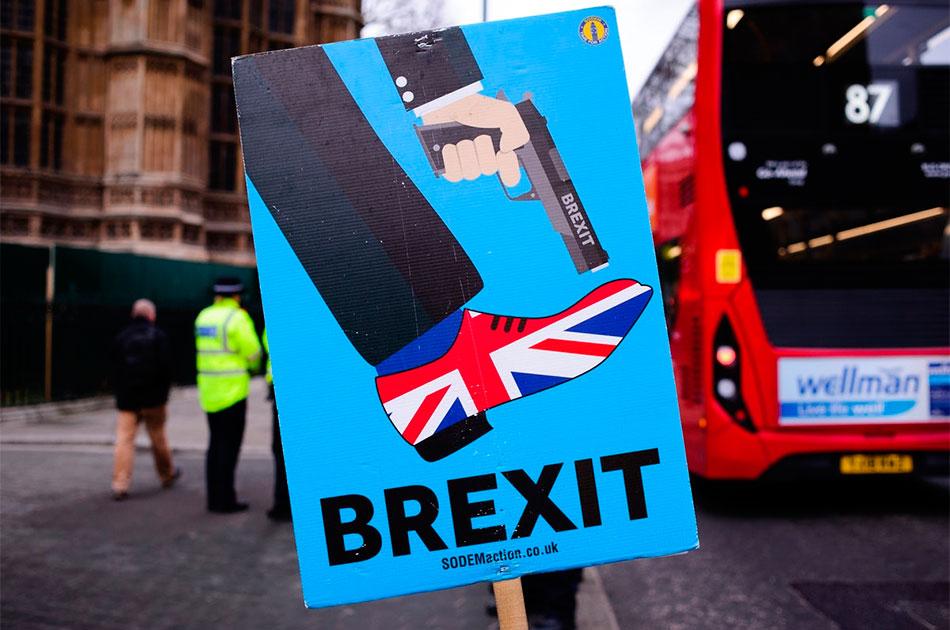 Великобритания прощается, но не уходит