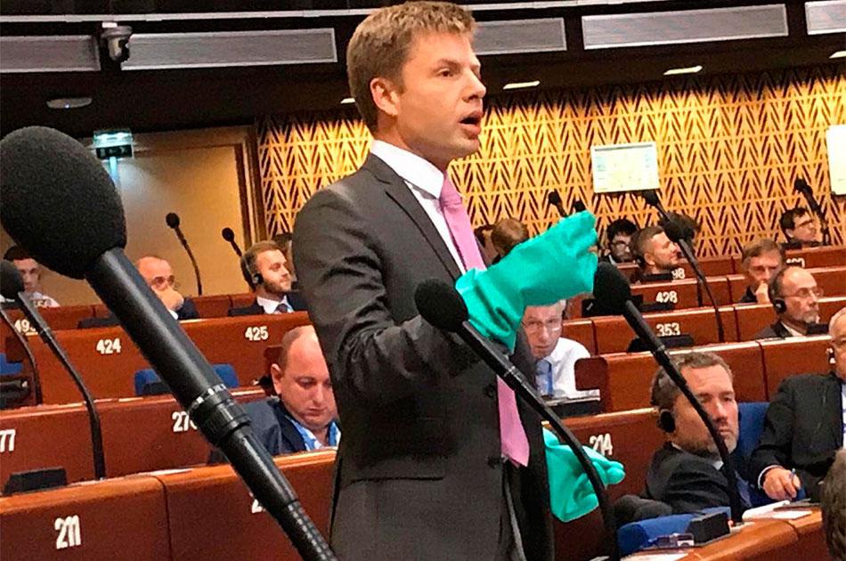 Украине не помогли зеленые перчатки