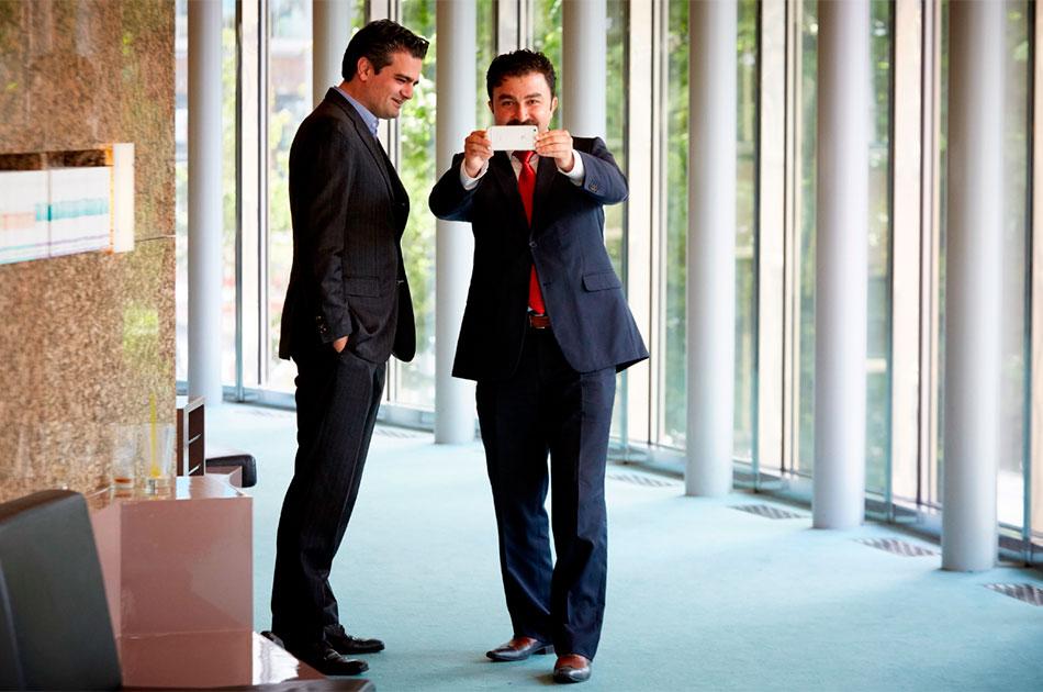 Турки в голландском парламенте