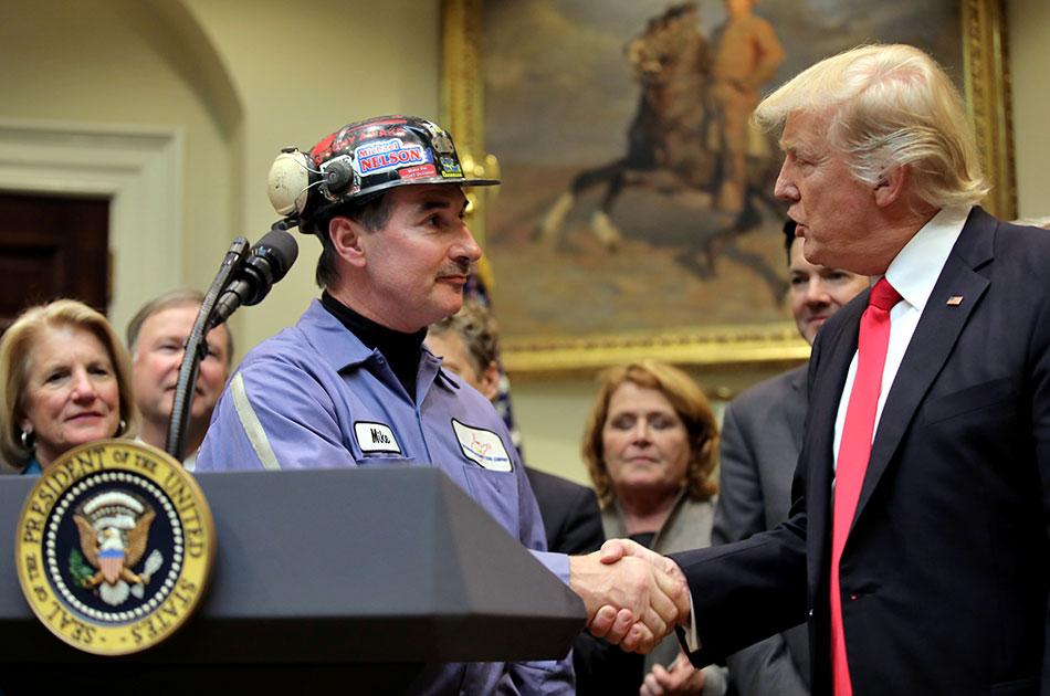 Американские шахтеры рубают уголь для Украины