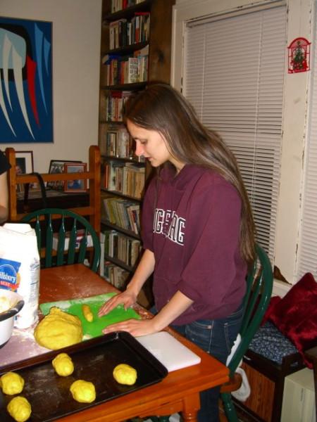 Fiona prepares Lussekatter