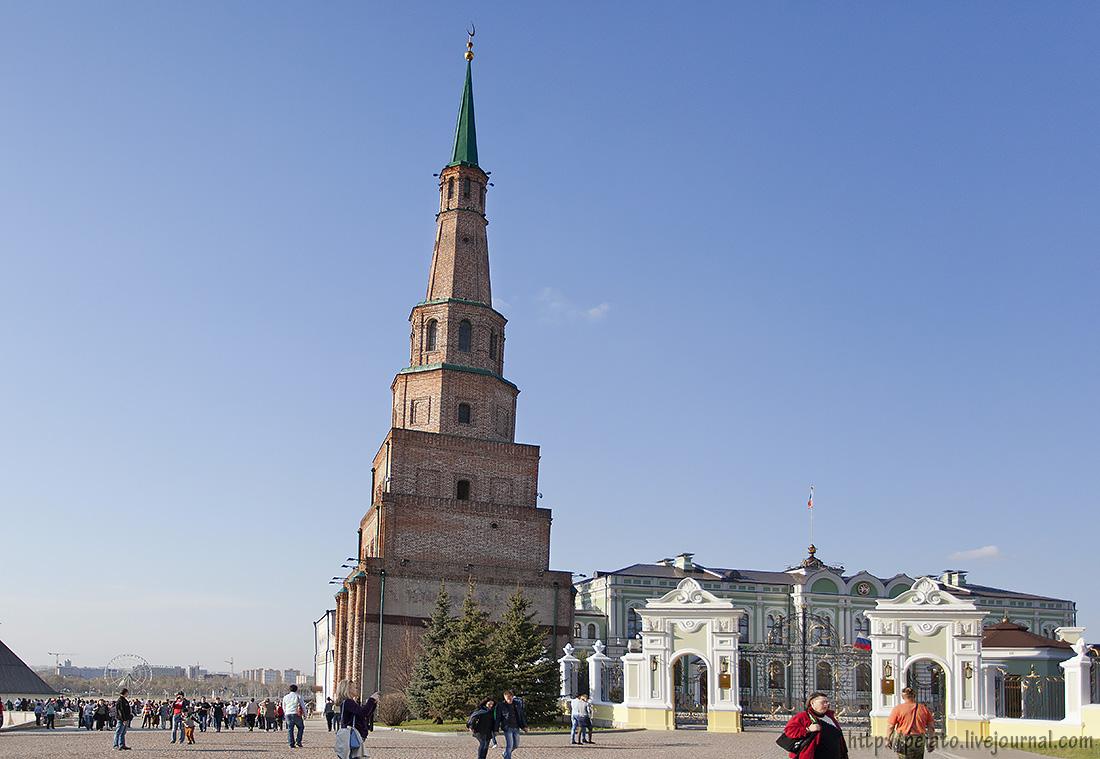 Падающая башня Казани