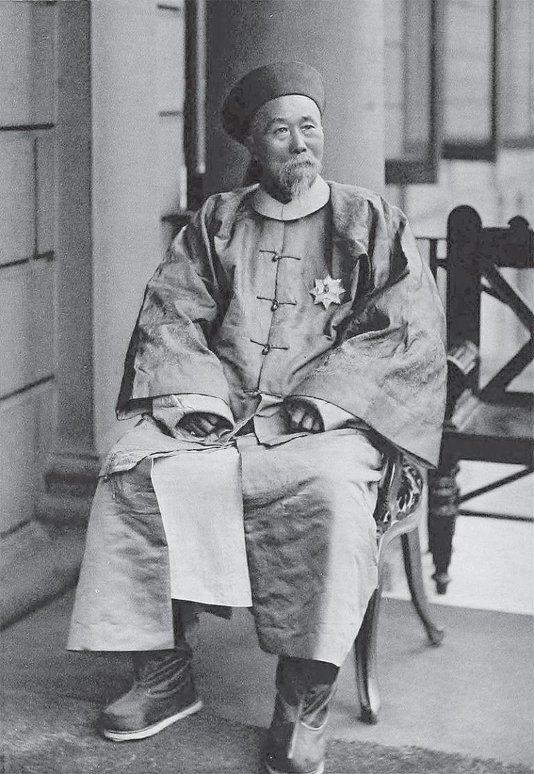 Ли Хунчжан, наместник провинции Цзянсу, затем наместник столичной провинции Чжили и сановник по делам заморской торговли на Севере.