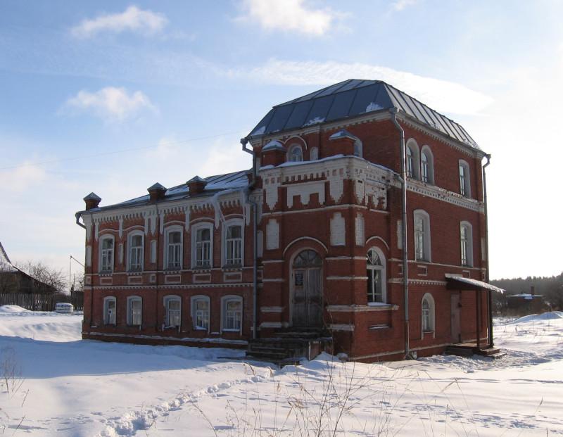 Дом-музей поэта С. А. Клычкова в деревне Дубровки под Талдомом. Зима 2006 г.