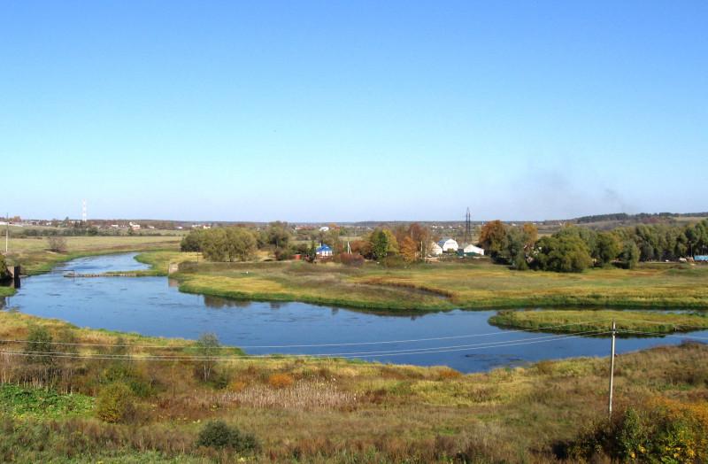 Вид на Москву-реку на окраине Можайска. Сентябрь 2007 г.