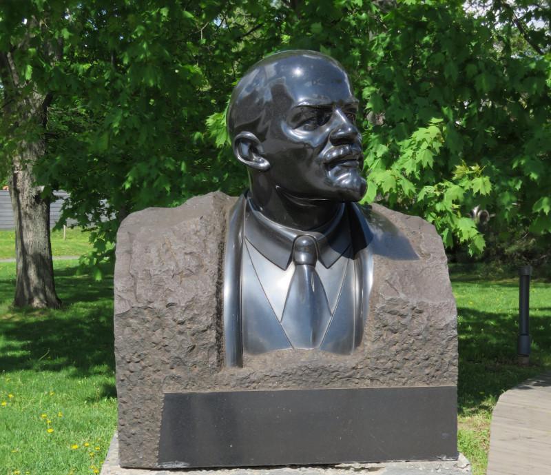 Меркуров С. Д. В.И. Ленин. 1939 г. Гранит