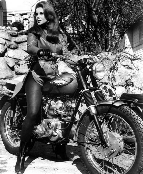 Ann-Margret rode a classic Triumph T100