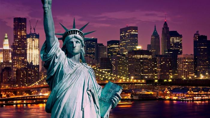 Вандализм – как форма политического протеста в США: падать ниже уже некуда